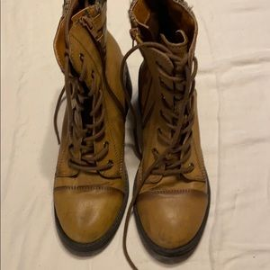 Cute Boots size 7 1/2